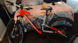 Kona full suspension , hydrolic disbrakes and seat.. 2019.. good to excellent condition for Sale in Salt Lake City, UT