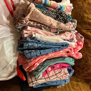 Free Baby Girl Clothes . All Clean . No Stains 12-24 Months for Sale in San Jose, CA