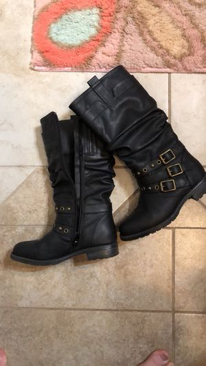 Girls size 11 boots for Sale in Gainesville, FL