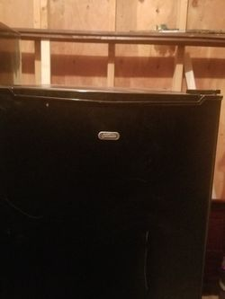 Sunbeam Mini Fridge for Sale in Philadelphia,  PA