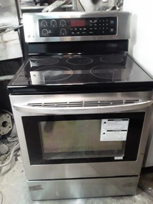 Stove electric 220 V Samsung for Sale in The Bronx, NY