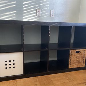8 Cube Storage Shelf With Baskets Included for Sale in Long Beach, CA