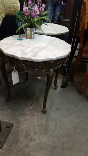 Antique Carved Table w Marble Top. 25 x 25 x 24 T for Sale in Phoenix, AZ