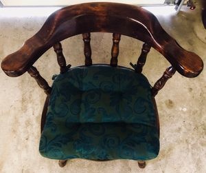 Antique wood table and chairs for Sale in West Jordan, UT
