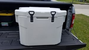 Coleman esky 55qt for Sale in Wimauma, FL