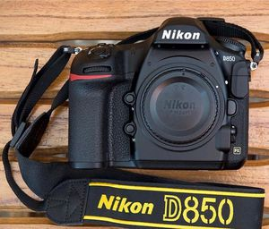 Nikon D850 45 MP Full Frame 4K DSLR Camera Body 500 Shutter count FIRM PRICE for Sale in Anaheim, CA