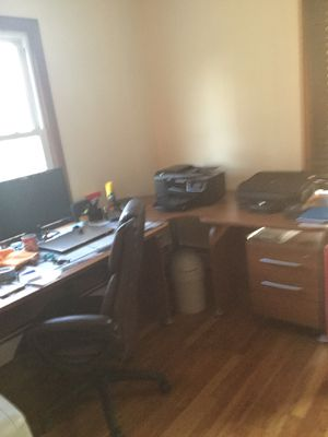 Desk and chair for Sale in Danbury, CT