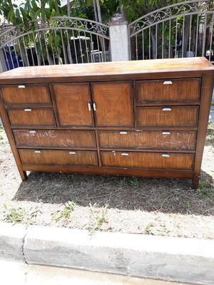 Wood dresser FREE for Sale in Torrance, CA