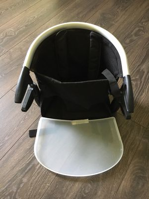 Phil & Teds booster seat w/tray for Sale in San Marcos, TX