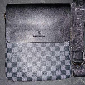 Black Louis Vuitton Bag for Sale in Hazel Crest, IL
