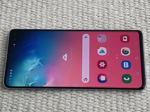 EXCELLENT Unlocked Samsung Galaxy S10 + Plus Unlocked, any company, Excellent condition. Works with Verizon, Att, Tmobile, Metro pcs, Cricket and o for Sale in San Francisco, CA