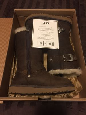 New Ugg Boots Kids Sz 11 for Sale in Franklin, TN
