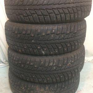 205 60 R 16 Nokian Hakkapelitta Studded Snow Tires for Sale in Graham, WA