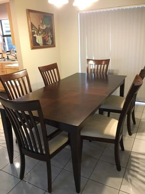 Dining room table with 6 chairs for Sale in Southwest Ranches, FL