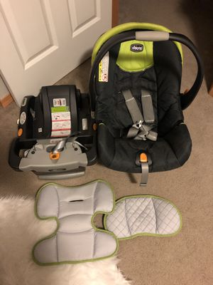 Chicco infant car seat for Sale in Puyallup, WA