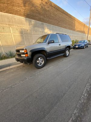 1998 Chevy 2dr Tahoe for Sale in Bell Gardens, CA