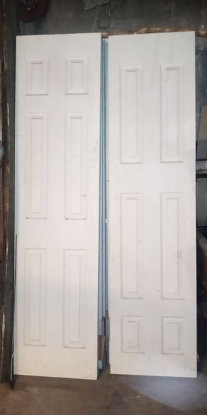 Bi-Fold closet doors. Used. for Sale in Gresham, OR