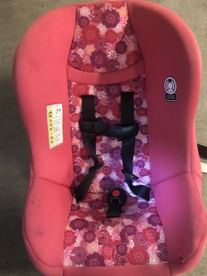 Cosco baby car seat & evenflo (2 seat for 1 price) for Sale in Seattle, WA