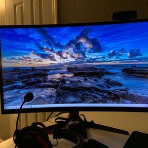 Curved LED Gaming Monitor 144hz G-Sync for Sale in Lakeland, FL