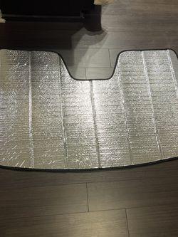 Ultimate Reflector Folding Sunshade - 2014 Audi Q7 for Sale in McLean,  VA