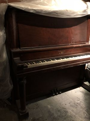 Today is the day (Saturday 1.19!!!) Schumann Piano . FREE - downtown Miami - It's all yours! for Sale in Miami, FL
