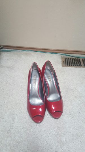 High heel shoes for women size 8 and 1/2 for Sale in Renton, WA