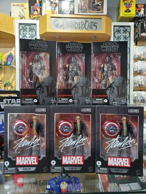 Marvel legends Stan Lee figure in hand for Sale in Hialeah, FL
