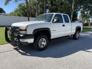 2006 Chevy Silverado extended 4x4 lift gate for Sale in St.Petersburg, FL