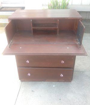 Desk dresser $45, for Sale in Los Alamitos, CA