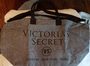 Victoria Secret Travel Bag with handles and adjustable strap for Sale in Bedford, VA