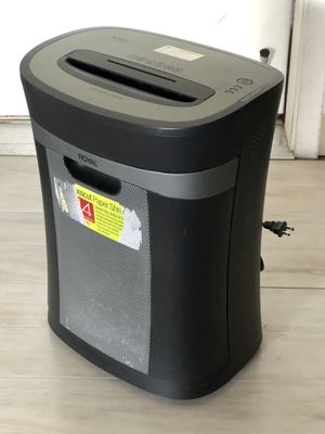 Royal paper shredder 14 sheet cross cut for Sale in Albuquerque, NM