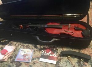 4/4 Franx Hoffmann Violin. Used only one year. It is in great condition and comes with extra set of strings, rosin, shoulder rest and cleaning cloth. for Sale in Abilene, TX