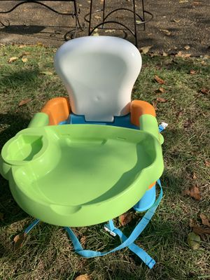 Safety First Sit Snack and Go Convertible Booster Seat for Sale in Chesapeake, VA