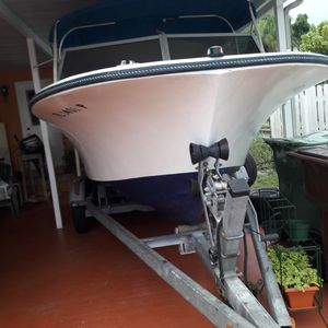 20' WELLCRAFT BOAT, GOOD CONDITION for Sale in Hialeah, FL