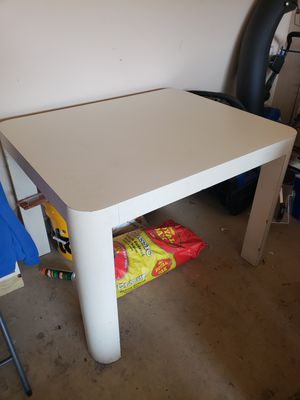 Table for Sale in Mundelein, IL
