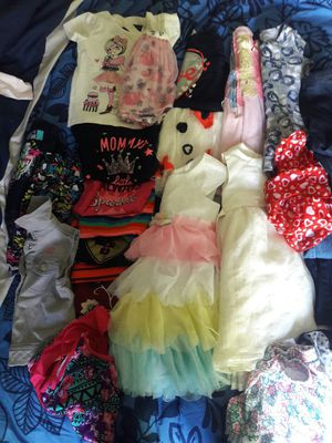 36 pieces Bundle of toddler girl clothing in great condition size 3t-4t for Sale in Manassas Park, VA