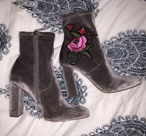 Steve Madden Edition high heel ankle boot in grey suede for Sale in San Diego, CA