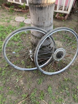 specialized tri-sport 27 X 1 1/4 wheels for Sale in Sanger, CA