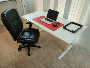 IKEA SKARSTA - standing desk for sit/stand work for Sale in Seattle, WA
