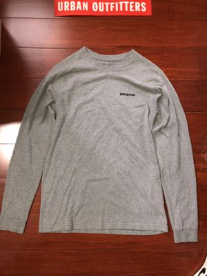 Patagonia Grey Long Sleeve for Sale in Chicago, IL