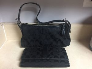 Black Signature Coach Purse Bag with matching wallet for Sale in UPPR MARLBORO, MD