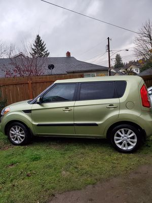 2013 kia soul ! 4D hatchback for Sale in Bremerton, WA