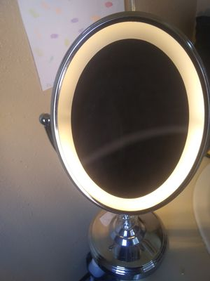 Magnifying Makeup Mirror for Sale in Porterville, CA
