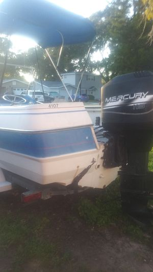 Bay liner Throphy for Sale in Clearwater, FL