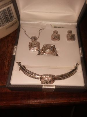 4pc Women's 1/5 Diamond set for Sale in Columbus, OH