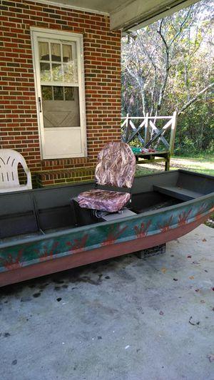 Ouachita Jon boat,14' for Sale in Spring Grove, VA