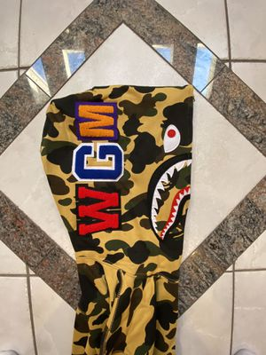 BAPE YELLOW CAMO SHARK HOODIE SZ(L) for Sale in Dallas, TX