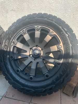Toyo tires open country R/T 33x12.5 R 20 for Sale in Avocado Heights, CA
