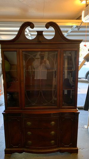 Antique Mahogany China Cabinet for Sale in Arlington, TX