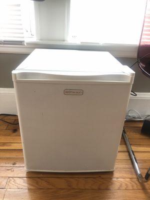 Mini fridge Emerson for Sale in Malden, MA